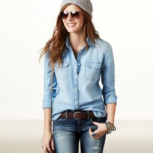American eagle light washed chambray top